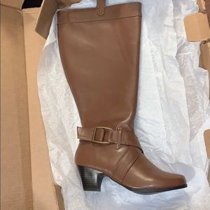 🎈SALE🎈Comfortview Boots Brown Size 8W NEW